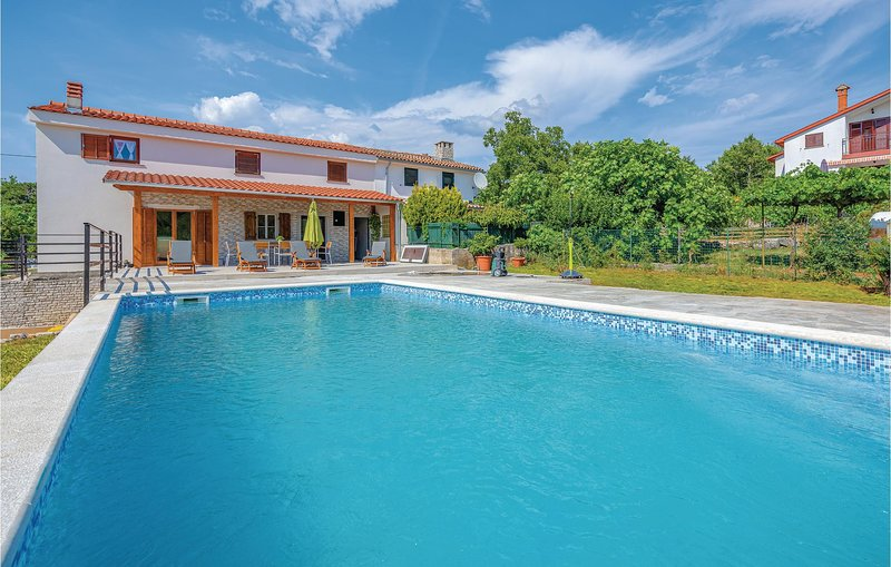 Awesome home in Labin with WiFi, 3 Bedrooms and Outdoor swimming pool (CIO210), holiday rental in Rasa