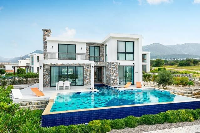 Joya Cyprus Seaside Luxurious Villa, holiday rental in Tatlisu