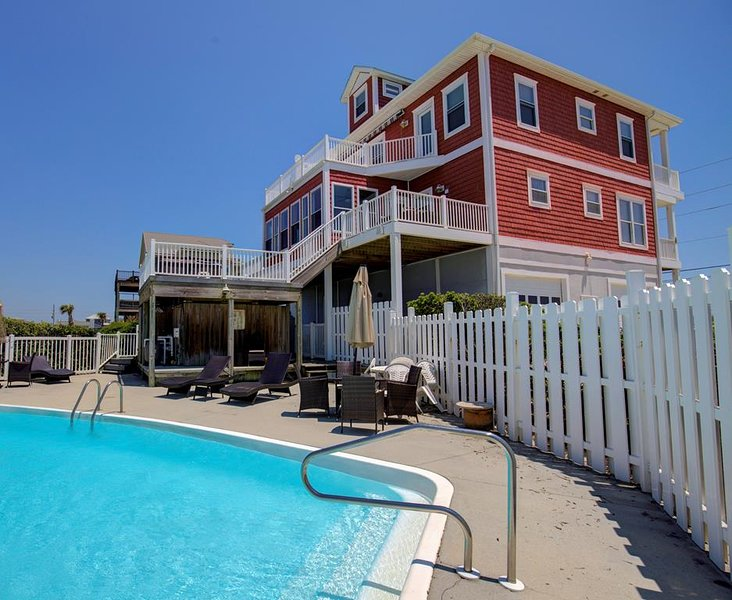 Bay Court 100 | Private Pool, Hot Tub, Game Room, Deep Water Boat Dock, almost O, vacation rental in Jacksonville