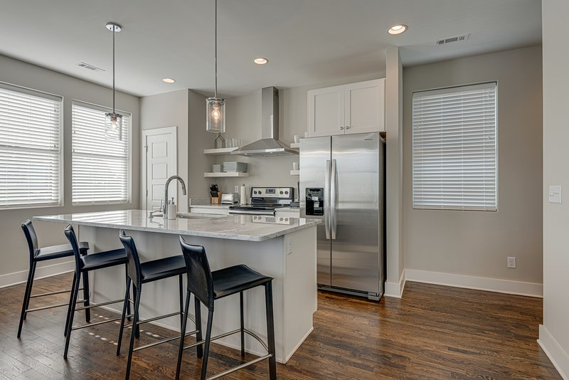 Townhouse with Rooftop | Walk to Belmont & 12South, vacation rental in Nashville