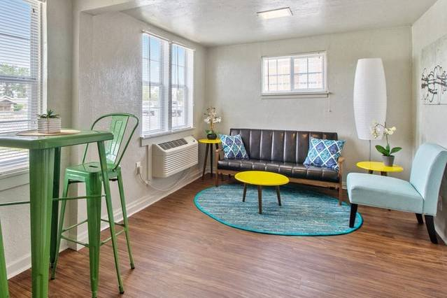 Affordable for long stay, great for travel workers, location de vacances à Oklahoma City