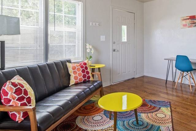 Great for travel workers, affordable for long stay, location de vacances à Oklahoma City