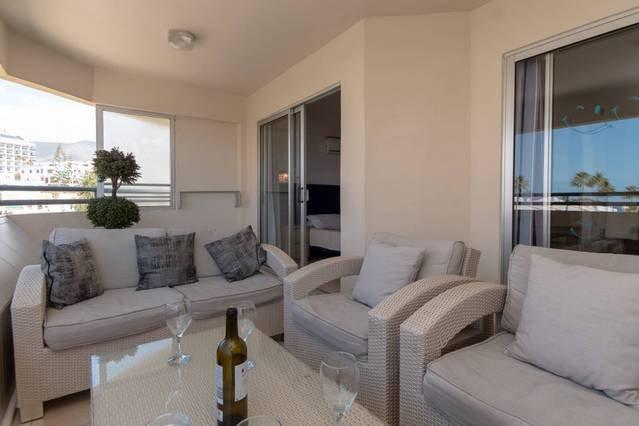 Costa Adeje 2 Bedroom Apartment with Sea View, vacation rental in Playa de Fanabe