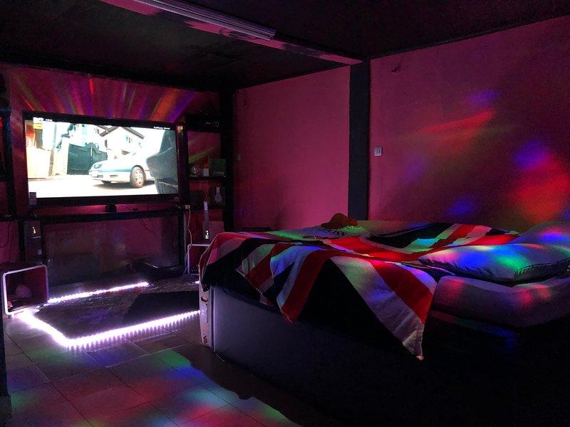Résidence Maître Jump Style (appartements meublés sous forme de suite/loft), holiday rental in Littoral Region