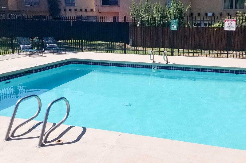 Esta piscina es perfecta para nadar vueltas.