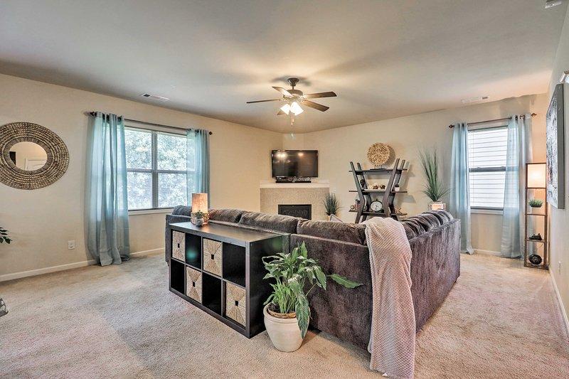 Deze 'Peach State' vakantiewoning beschikt over 4 ruime slaapkamers en 1,5 badkamers.