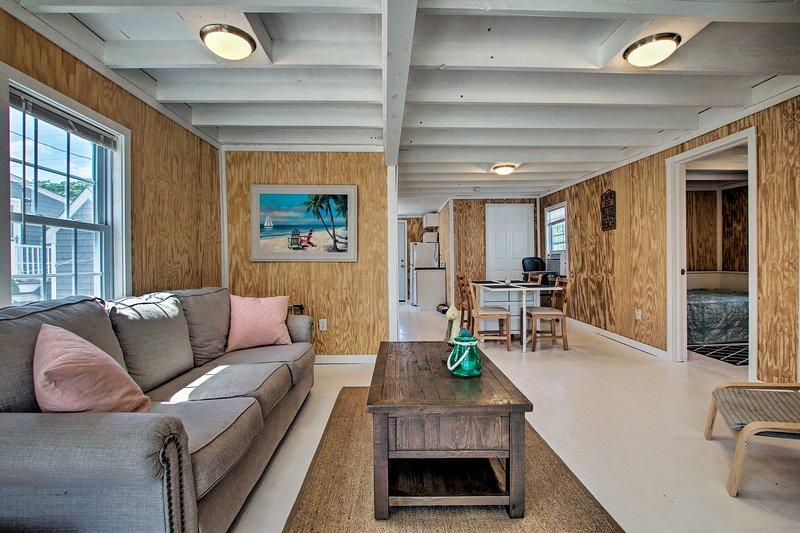 Goditi il tuo soggiorno a Long Island Sound in questa accogliente casa vacanza.