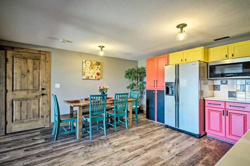 Bright, Renovated Home w/Views of Pikes Peak!, vacation rental in Black Forest