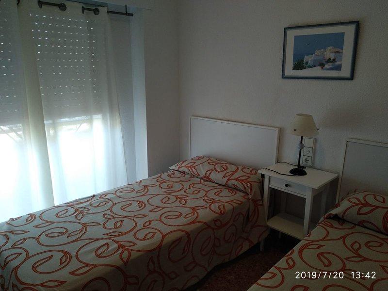 Dormitorio principal, con armario de tres cuerpos