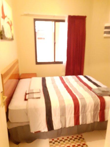 Nieuw appartement met zwembad en prieel in Rainville, Paramaribo Noord (Rood), location de vacances à Surinam