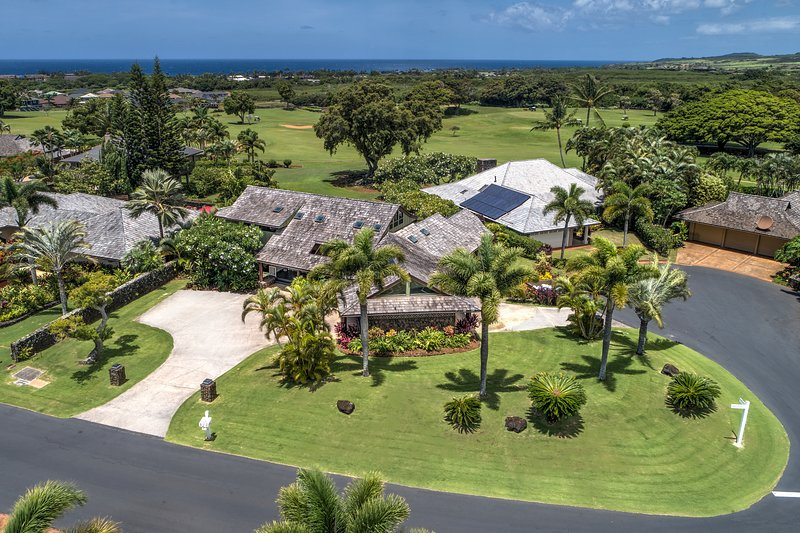 Third acre estate sized luxury property brings privacy and exclusivity to your vacation