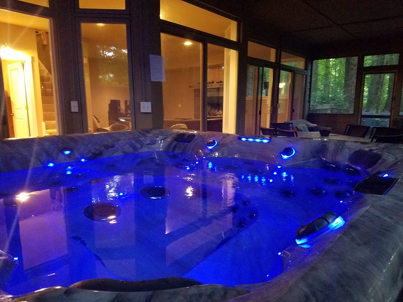Check out our great week day deals. Hot tub, fireplace, firepit and more, alquiler de vacaciones en Watervliet