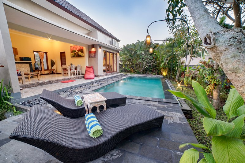 Griantika Villa Ubud - 3BR Private Villa with Nature View, holiday rental in Petulu