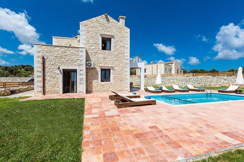 Dimokritos Villa V, a homestay experience!, vacation rental in Milopotamos