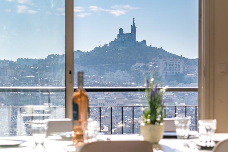 Vue Panoramique 360° sur tout Marseille - Air Rental, location de vacances à Marseille