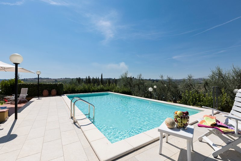 Montegufoni Villa Sleeps 7 with Pool - 5386502, vacation rental in Montegufoni