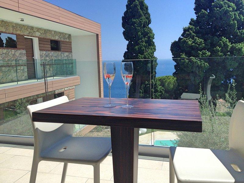 Taormina Apartment Sleeps 4 with Pool Air Con and WiFi - 5807307, alquiler vacacional en Mazzaro