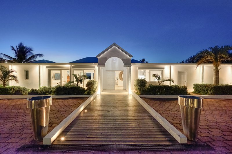 Encore, a 6BR vacation rental in Terres Basses, St Martin,