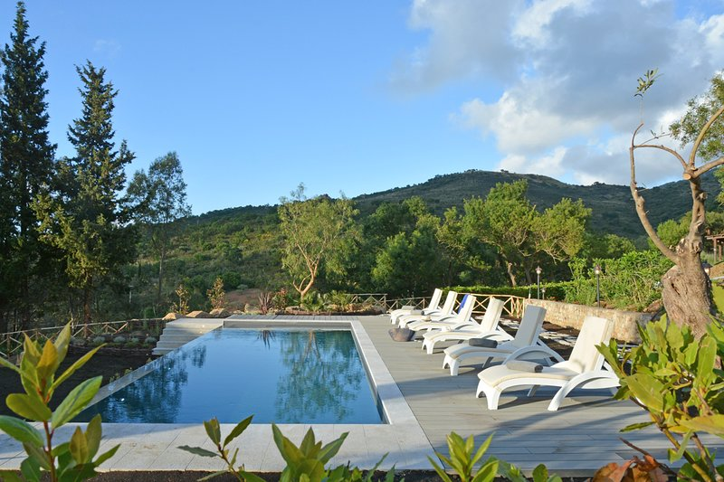 Sant'Ambrogio Villa Sleeps 8 with Pool and Air Con - 5809885, vacation rental in Finale