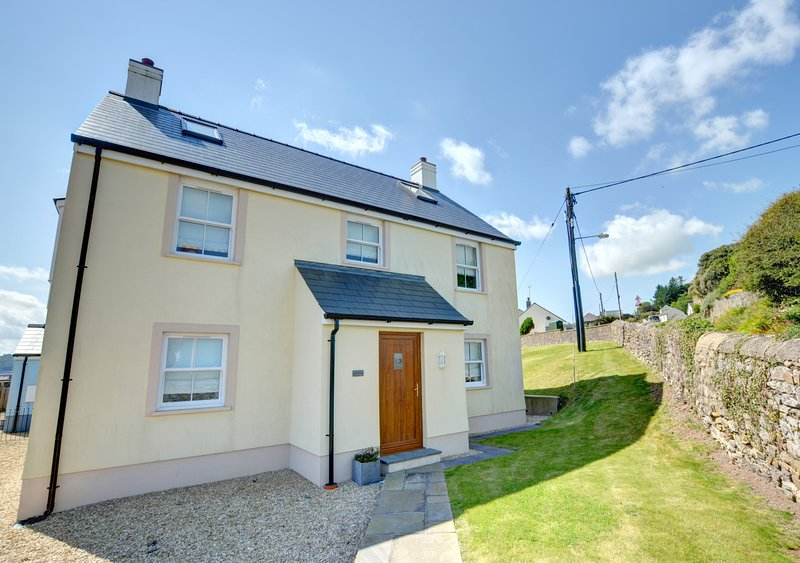 Cockleshell, holiday rental in Amroth
