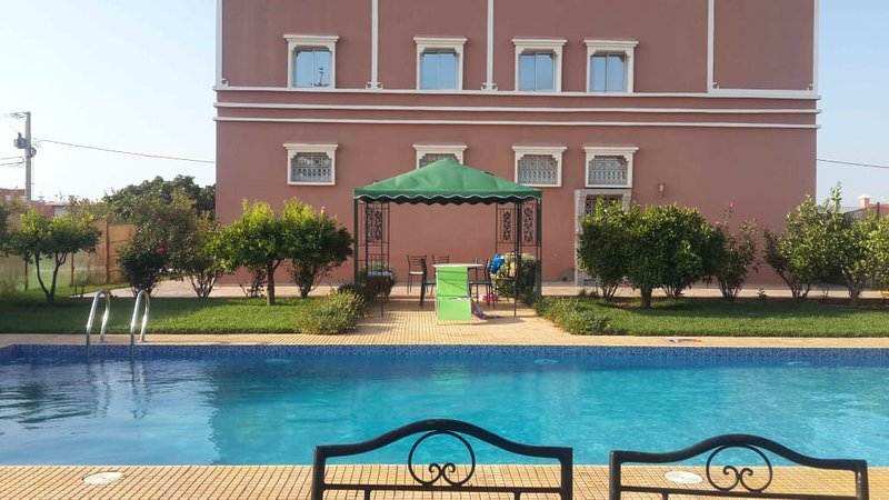Spacious villa with swimming-pool, holiday rental in Oulad Teima