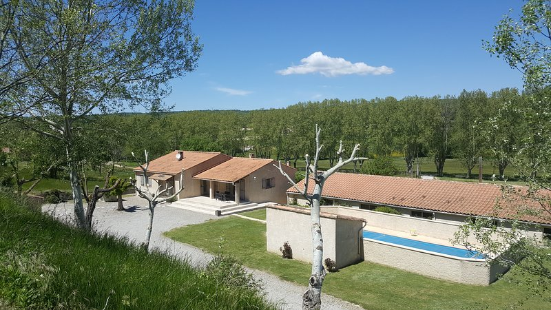 Les Prairies de l'Encrême, vacation rental in Oppedette