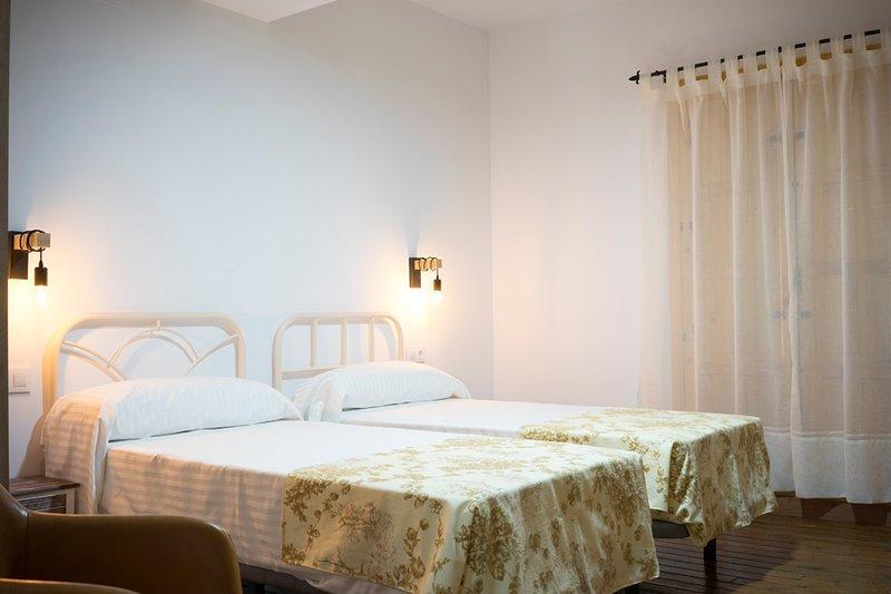 Casa Rural el Rincón de Monfragüe habitación nº 4, alquiler de vacaciones en Casas del Castañar