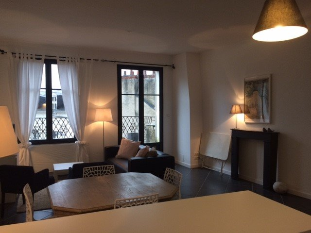 APPARTEMENT AVEC TERRASSE (2 chambres/4 personnes), holiday rental in Champigny-en-Beauce