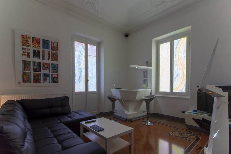 Appartamento in edificio storico in pieno centro e ristrutturata, vacation rental in Portofino
