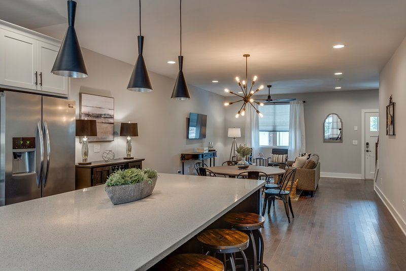 Chic Townhome near 12South | 5 mins to Downtown, vacation rental in Nashville