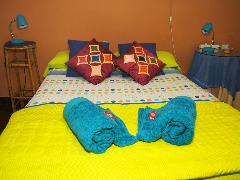 Estudio centro parkig y wifi, holiday rental in Churriana de la Vega