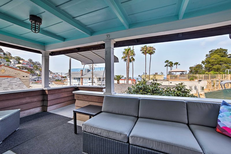 Charming Catalina Home w/ Deck: Walk to the Beach!, aluguéis de temporada em Avalon