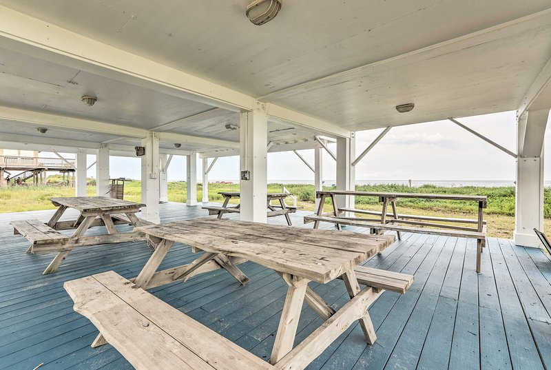 Fire up the grill for a seaside barbecue!