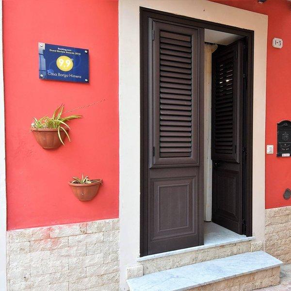 CASA BORGO HIMERA, deliziosa Casa Vacanze tra Cefalù e Palermo., vacation rental in Termini Imerese