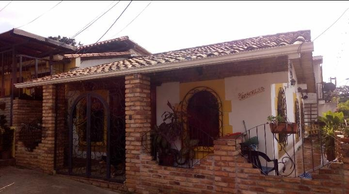 Excelente alojamiento en casa estilo countryy, vacation rental in Cucuta