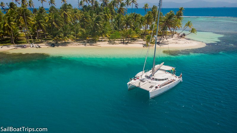 Catamaran Lagoon 41fts Shared Boat from U$ 230,00 per person/day