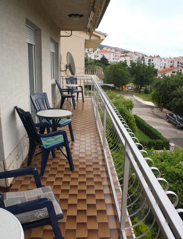 A2 II kat(8): terrace