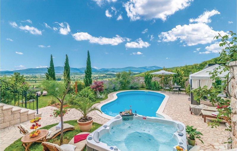 Awesome home in Splitsko-dalmatinska županija with WiFi and 7 Bedrooms (CDF730), holiday rental in Canton 10