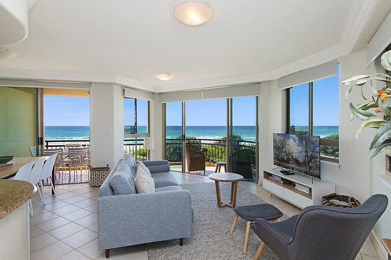 Casa Del Rey 4 - Absolute Beachfront Bilinga, vacation rental in Tallebudgera