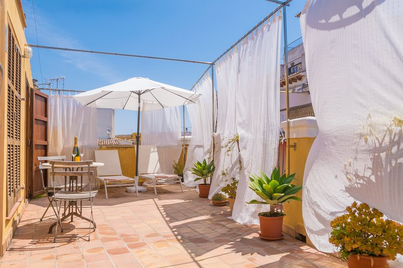 MIRACLET - Chalet for 4 people in Palma De Mallorca, holiday rental in Cala Major