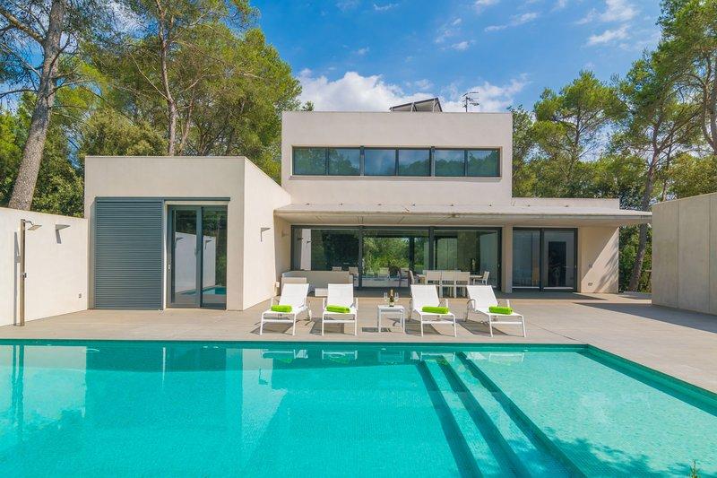 VILLA ALZINA - Villa for 6 people in Crestatx, location de vacances à Sa Pobla