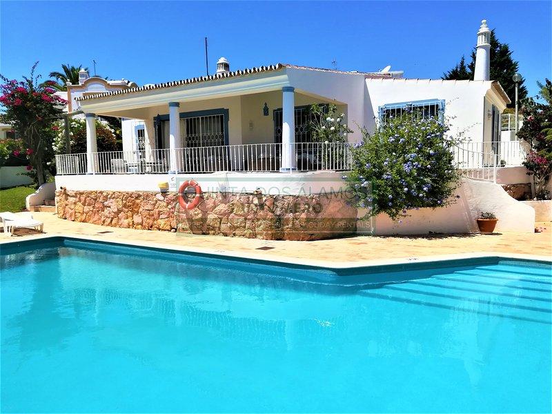 Casa Azul - Quinta dos Álamos - Guia, holiday rental in Guia
