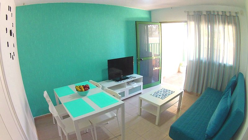 3 rooms Bungalow, near beach, free Wi-fi, up to 5 persons, vacation rental in Costa Calma
