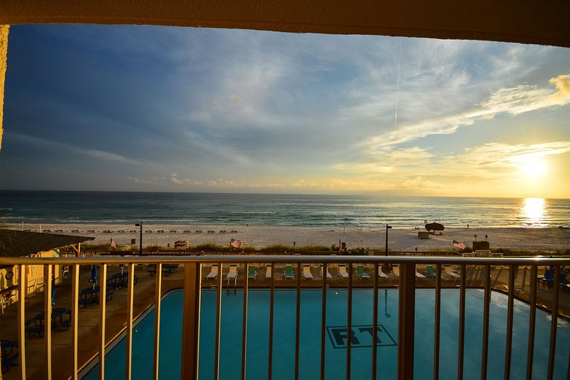 Beach Haven - Regency Towers 309, holiday rental in Lower Grand Lagoon