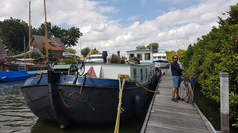 Bright Houseboat Monnickendam 30 minits from Amsterdam, holiday rental in Volendam