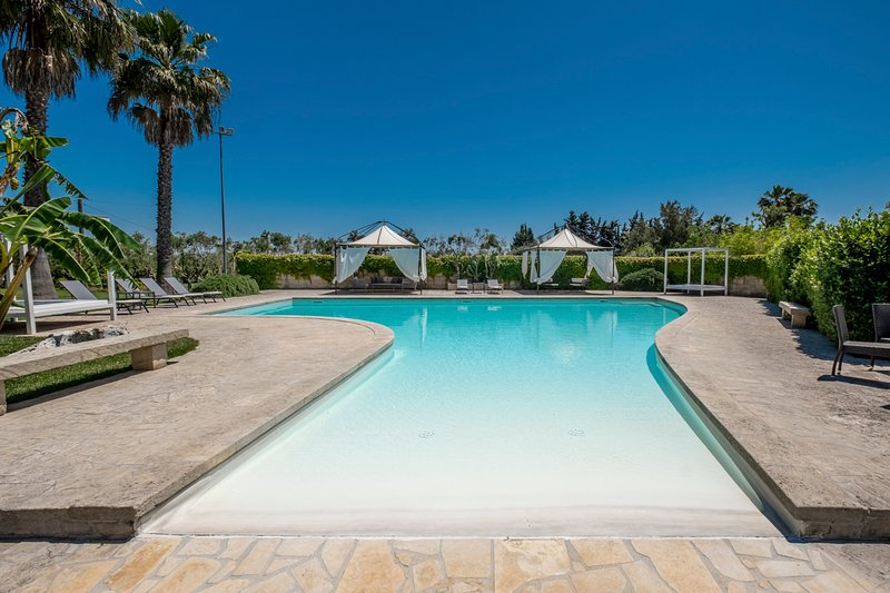 Martano Villa Sleeps 8 with Pool and Air Con - 5713843, holiday rental in Cursi