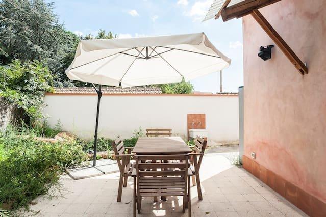 Beautiful house in Pedara & Wifi, holiday rental in Pedara