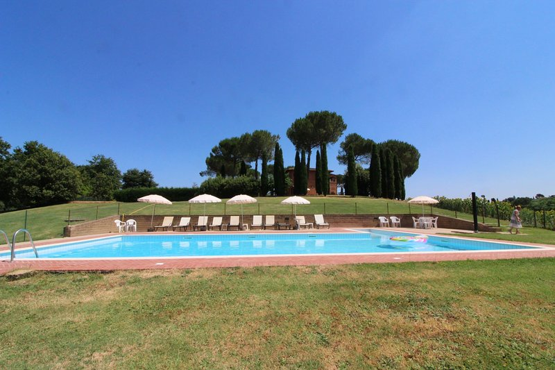 Sant'Anastasio Apartment Sleeps 8 with Pool - 5490434, alquiler vacacional en Guazzino
