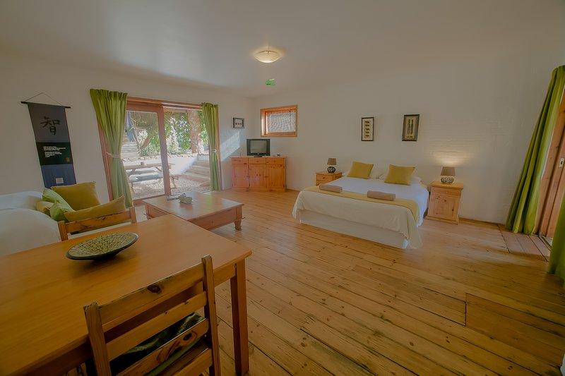 Beachfront Garden Studio, vacation rental in Humansdorp