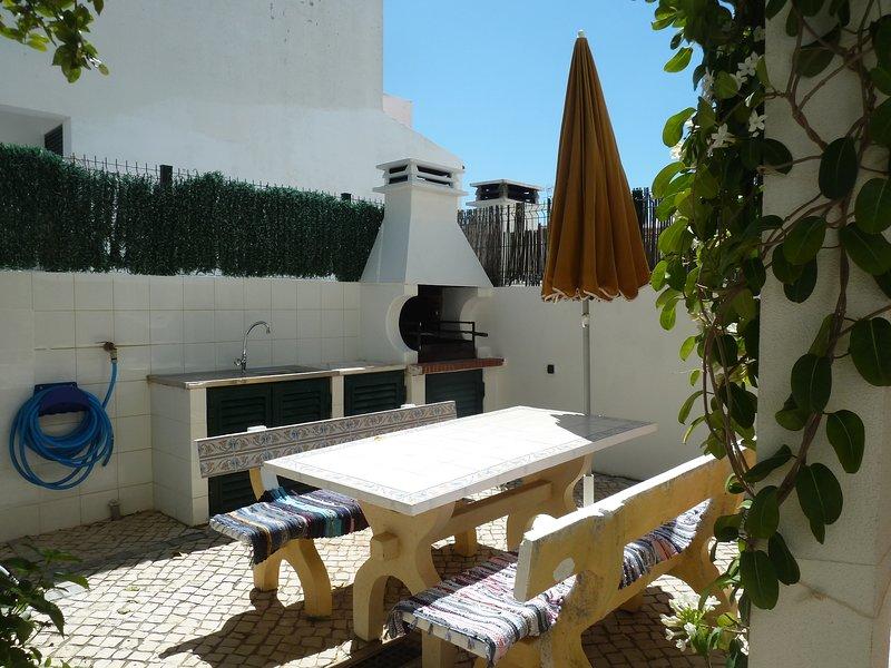 Nice house near the beach & balcony, alquiler vacacional en Manta Rota